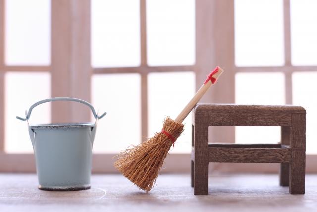 ミニチュアの掃除道具