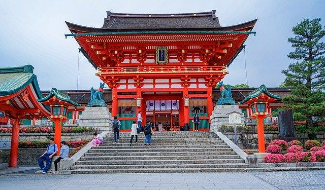 関西の赤い神社