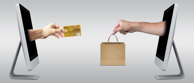 EC上でクレジットカードで支払う