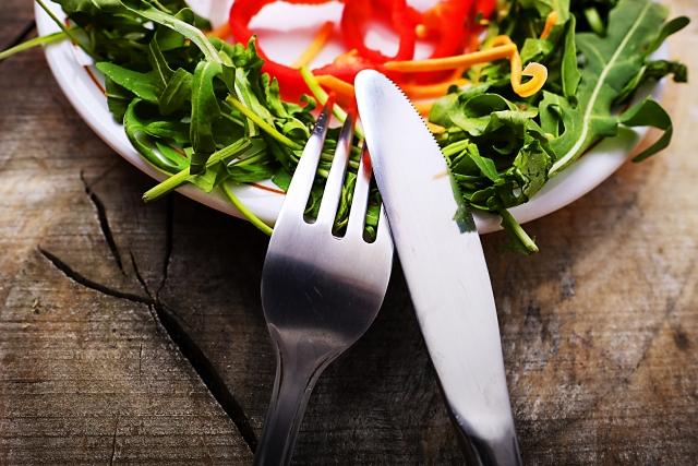 サラダとナイフとフォーク