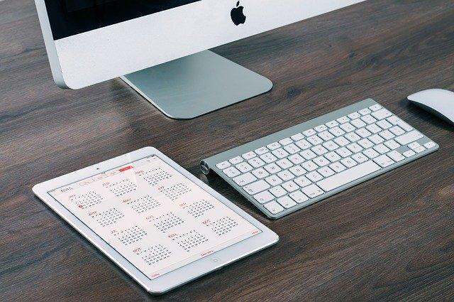 デスクトップのMACとiPad