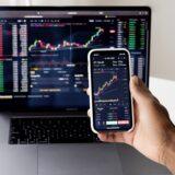 デイトレードとは当日中に利益を得る投資のこと。始め方を紹介